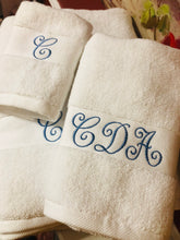 Load image into Gallery viewer, monogrammed bath towel set