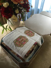 Load image into Gallery viewer, custom bath towel set with applique and flower design