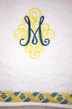 Load image into Gallery viewer, monogrammed bath towel
