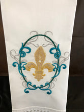 Load image into Gallery viewer, fleur de lis hand towel