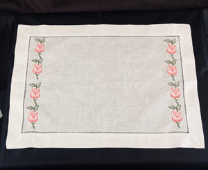 placemats embroidered with roses