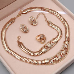 Wholesale 2018 New Exquisite Dubai Jewelry Set Luxury Gold Big Nigerian Wedding African Beads Jewelry Set Costume Design
