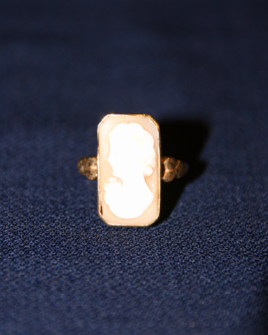 1910-1930's carved shell cameo ring