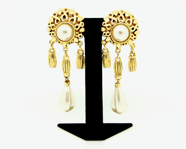 1980's LeRitz Etruscan Gold and pearl drop shoulder dusters