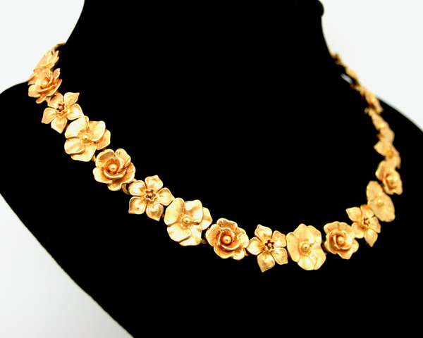 1970's CRAFT matt Gold flowers necklace