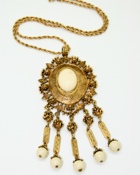 1950-60's GOLDETTE attributed cream cabochon pendant