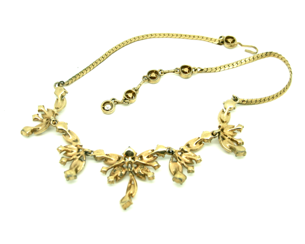 1955 HOLLYCRAFT AB & gold necklace