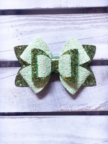 Green Lilly Star  Bow