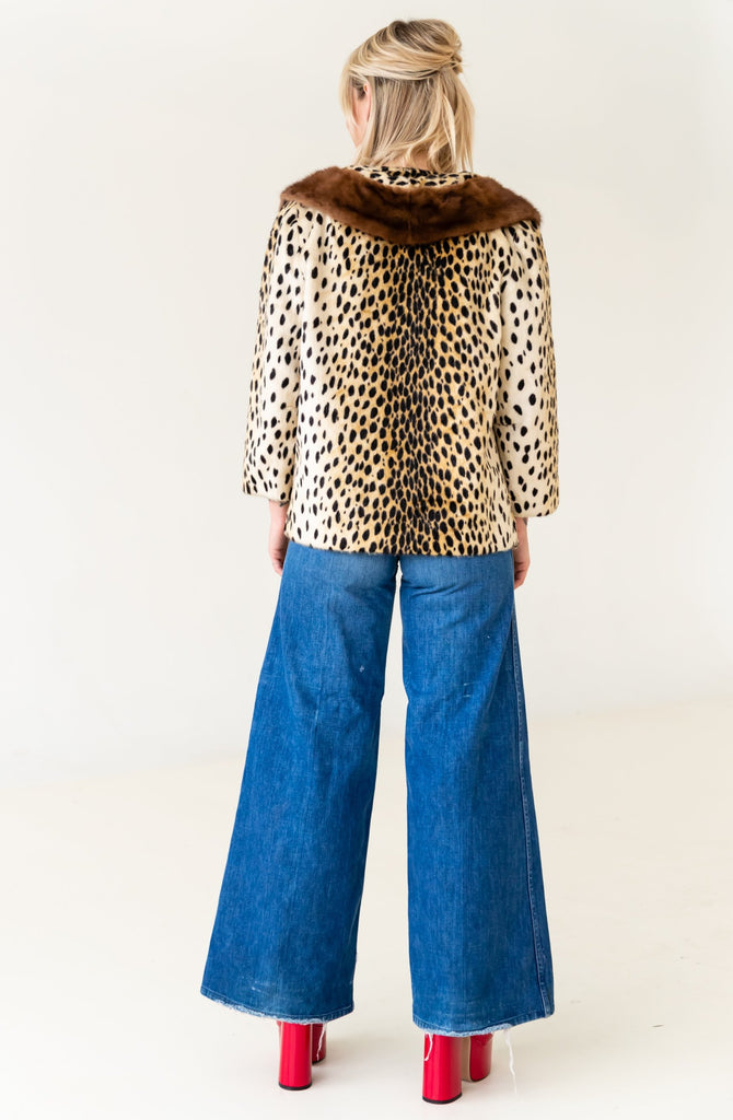 1950'S ILGWU UNION MADE FAUX LEOPARD WITH MINK COLLAR JACKET