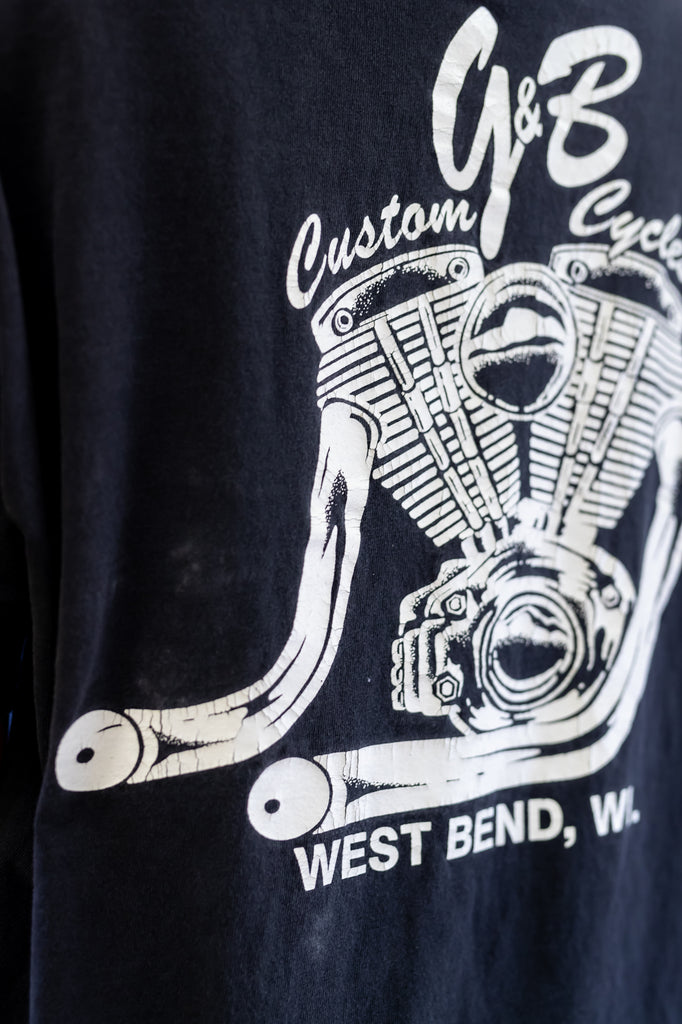 90's, vintage, Bikers are a rare breed. Harley Riders are A dime a dozen. Custom G&B Cycles West Bend, WI, Single Stitch, T-shirt Men's XL