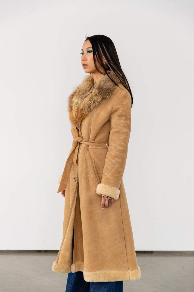 1970's Vintage Sheepskin With Fur Collar Long Coat