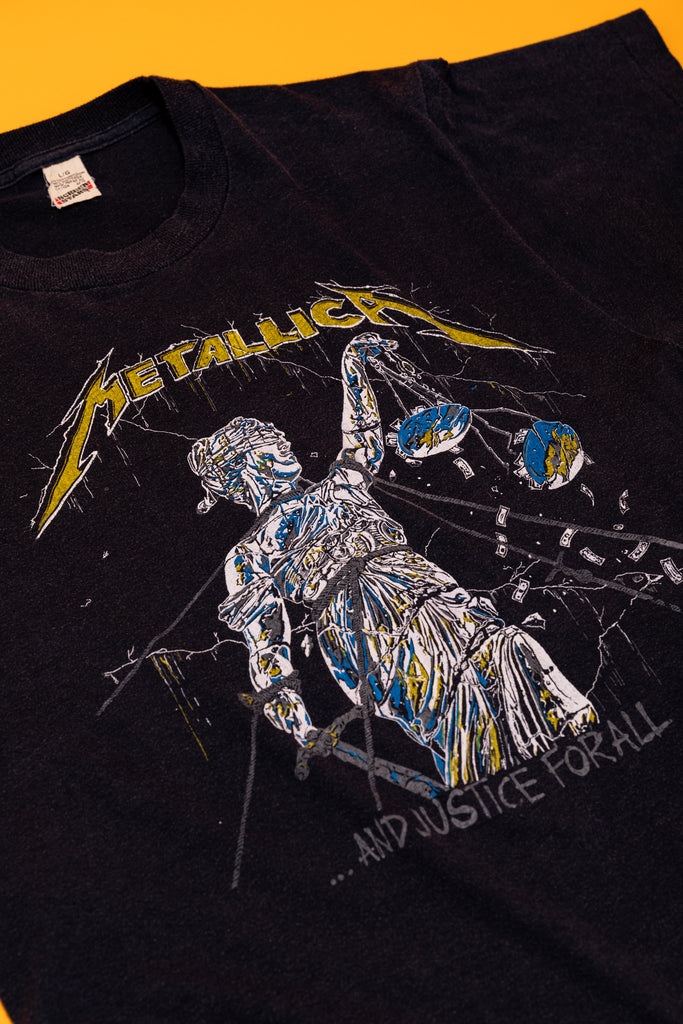 Vintage 1980's Metallica ''Justice for All'' bootleg parking lot T-SHIRT (men's Medium)