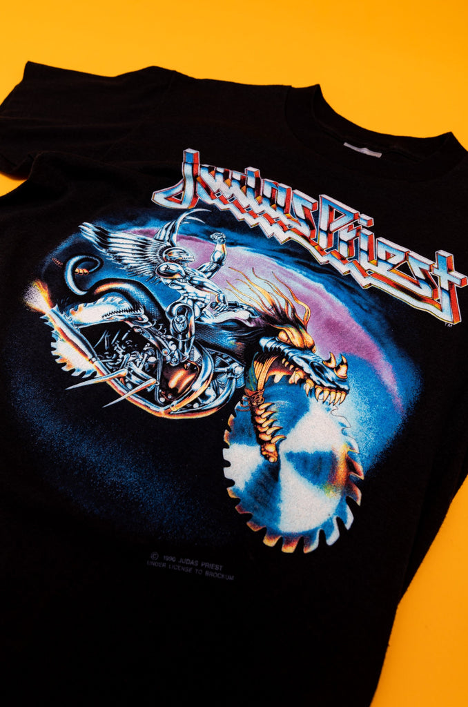 Vintage, 1990's JUDAS PRIEST '' Painkiller World Tour 1990'' T-SHIRT (men's small)