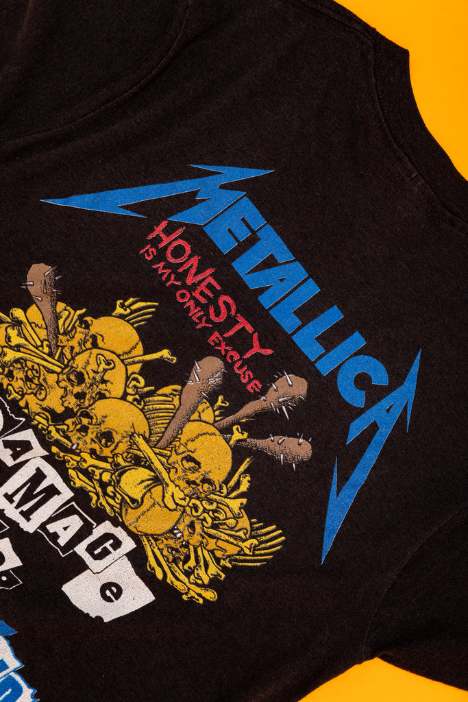 Vintage 1980's Metallica ''Damaged Inc. Tour'' T-SHIRT (men's Medium)