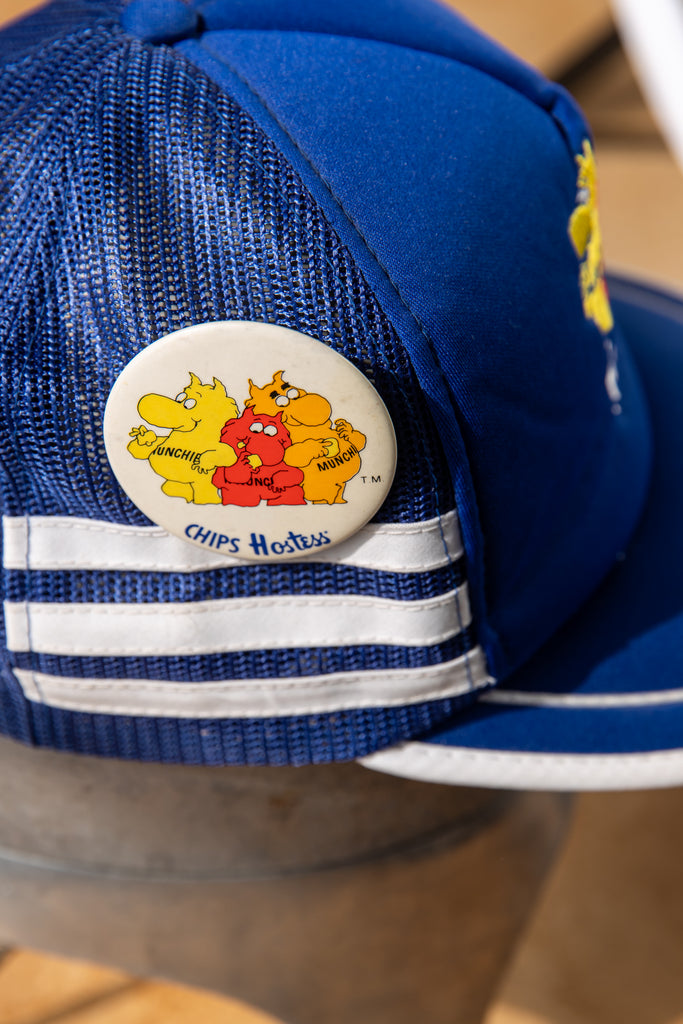 Vintage '' Chips Hostess Munchies'' Snapback Trucker Hat Baseball Cap With Pins Button
