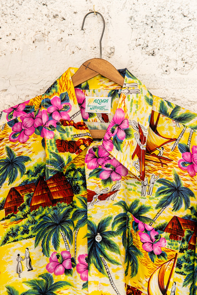 1960's, Vintage RARE authentic floral ALOHA Coast to Coast National Shirt Shops Hawaiian Button Up Shirt,(Men's Medium)