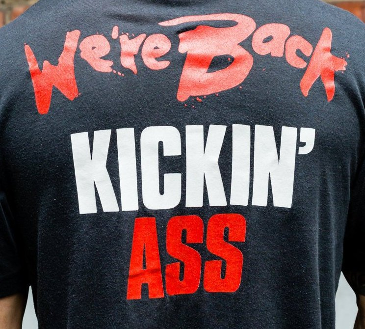 1989, Vintage, Bon Jovi,  '' we're Back Kickin' Ass '' single stitch t-shirt (Men's Medium)
