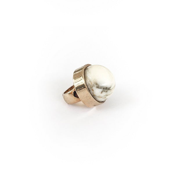 Ring with marble