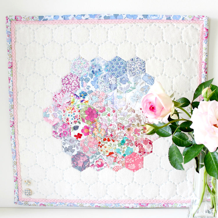 Hettie Hexie EPP Mini Quilt Pattern- Molly & Mama Designs