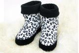 Polar Feet Women's Snugs Slippers in Snow Leopard