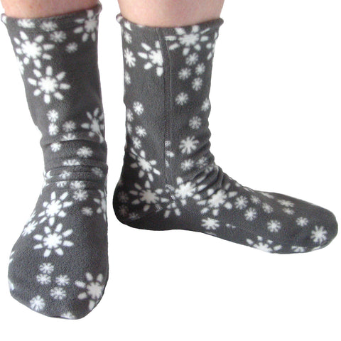 Polar Feet Fleece Socks in Snowflake front view