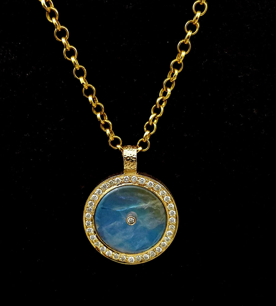 RAINBOW MOONSTONE PAVE DIAMONDS GOLD NECKLACE