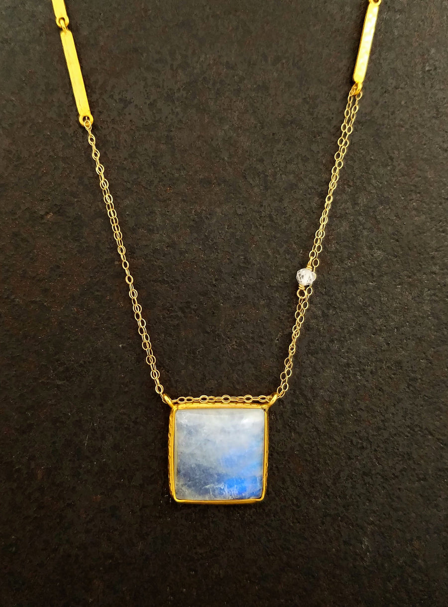SQUARE CAB MOONSTONE GOLD  NECKLACE