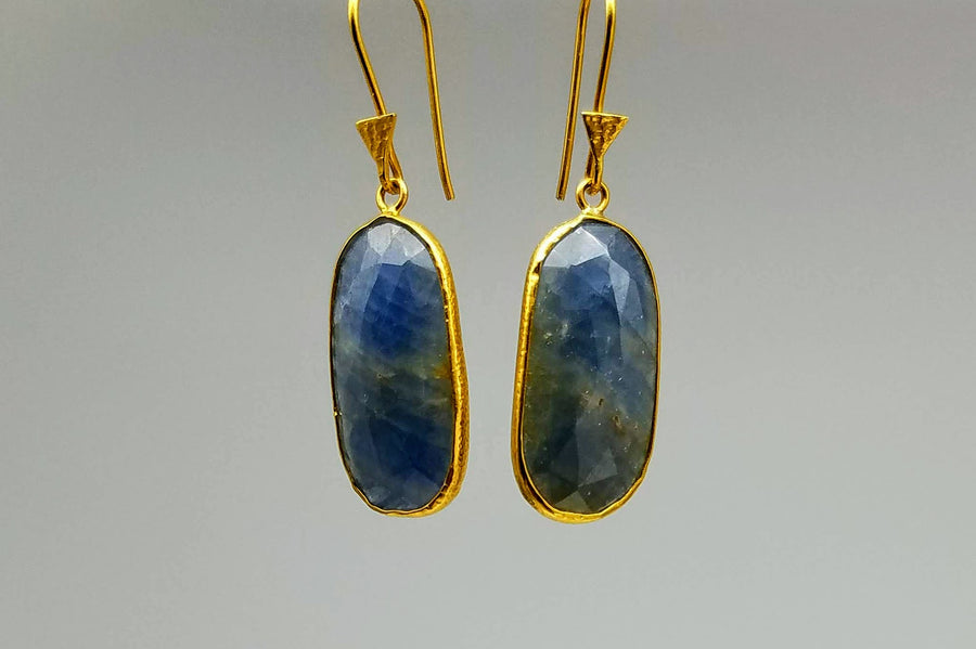 BLUE SAPPHIRE GOLD EARRINGS SONIA TONKIN