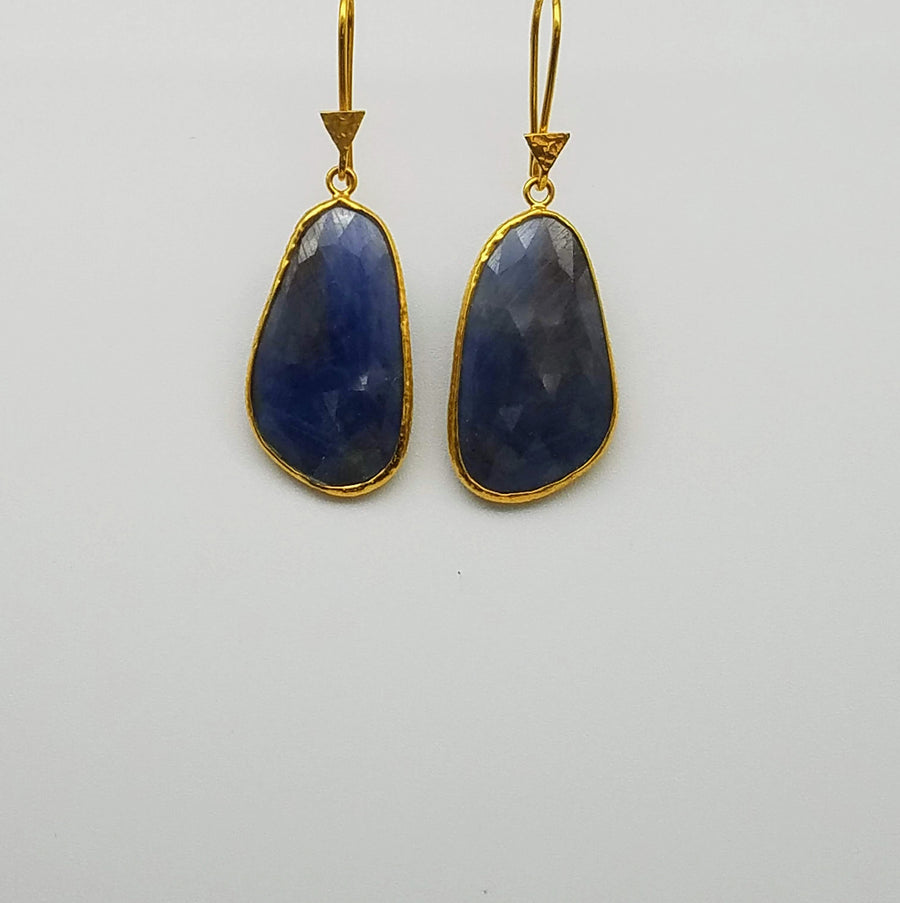 FREEFORM SAPPHIRE GOLD EARRINGS
