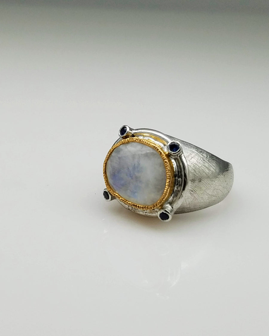 SAPPHIRES MOONSTONE RING
