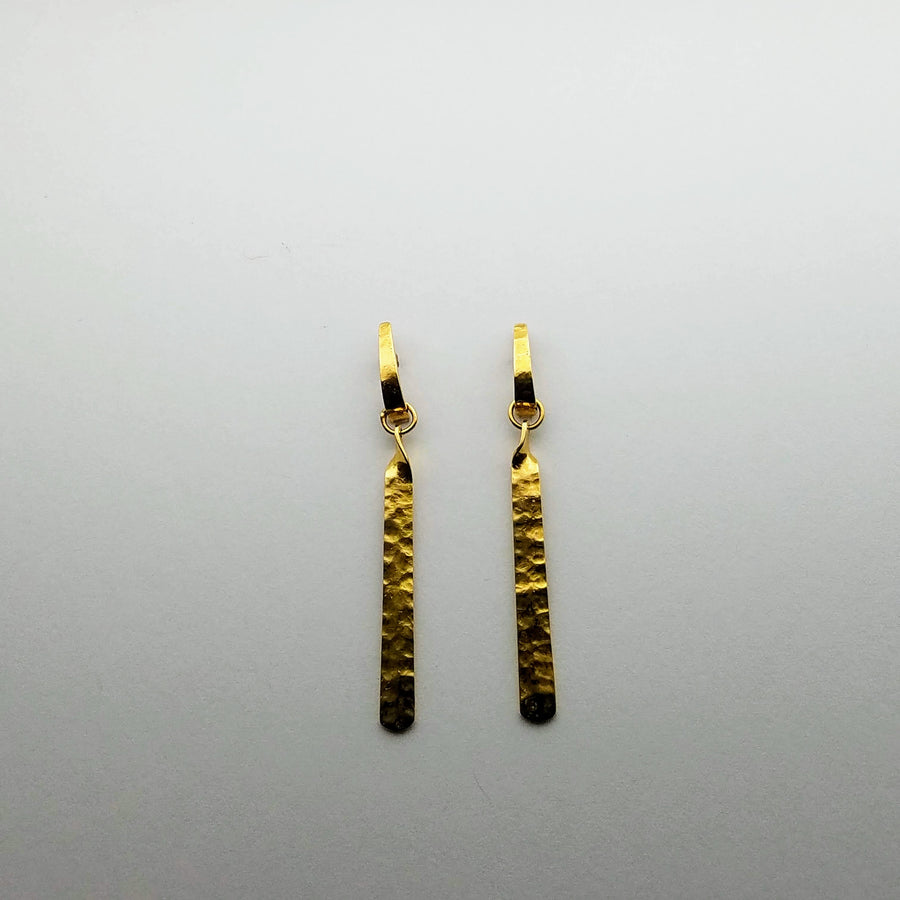 GOLD HAMMERED BAR EARRINGS SONIA TONKIN