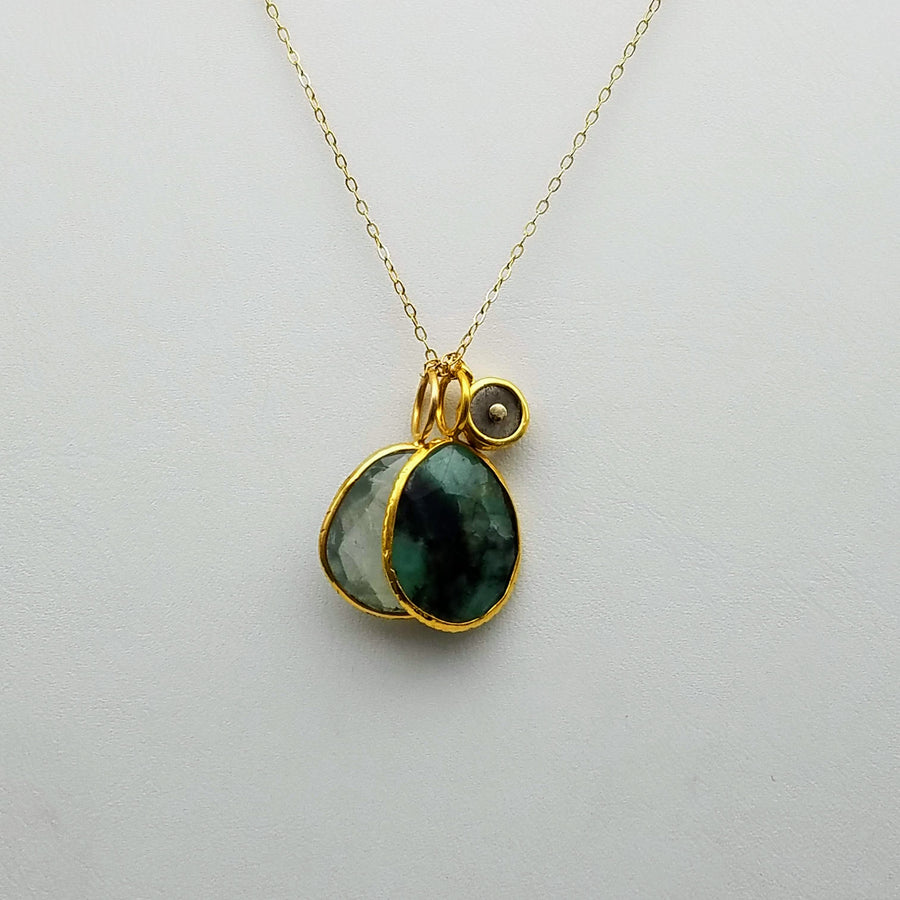 EMERALD GREEN AMETHYST CHARMS GOLD NECKLACE