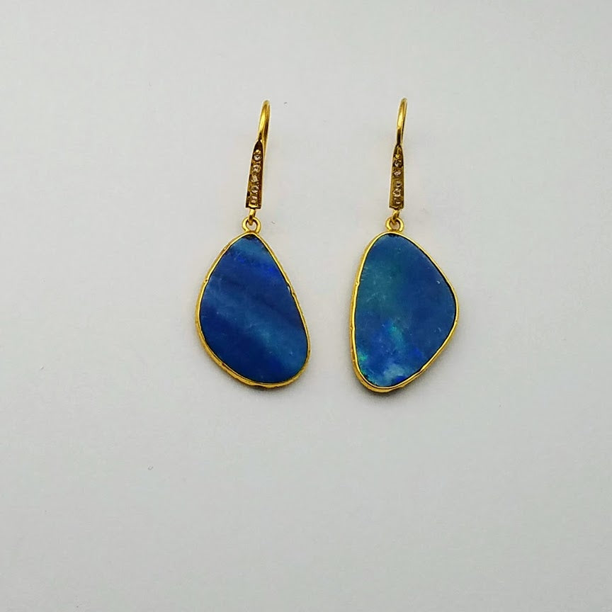 AUSTRALIAN OPALS GOLD EARRINGS