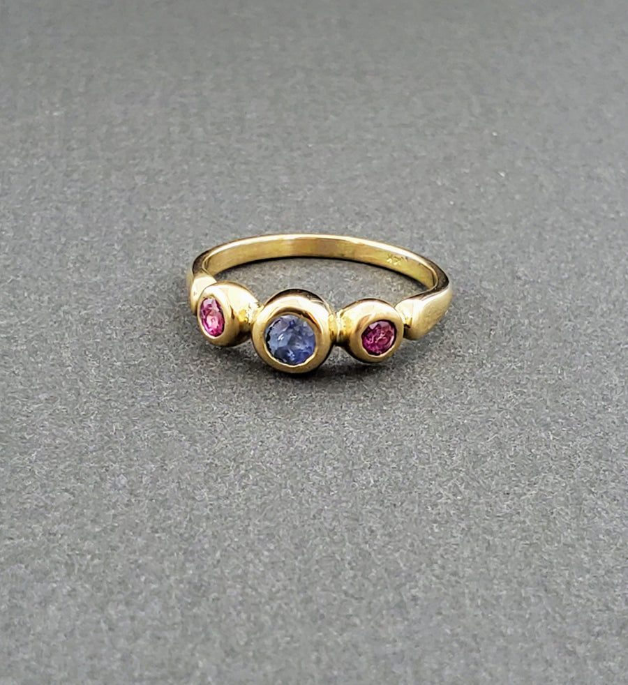 SAPPHIRE RUBY GOLD RING