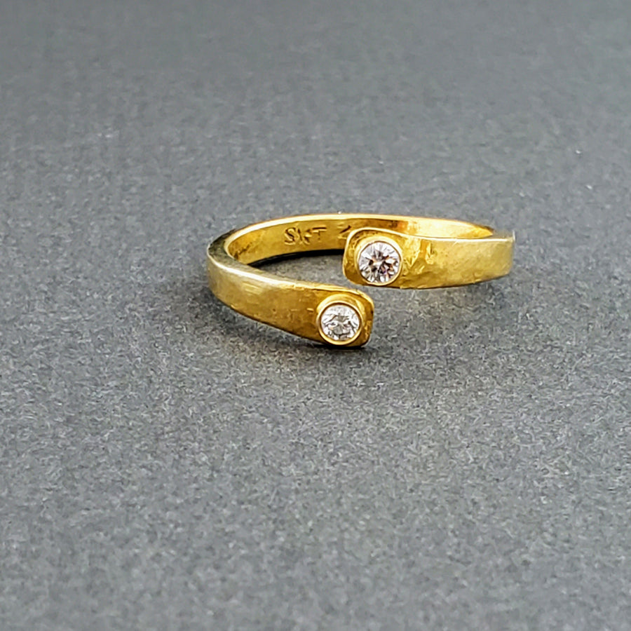 DIAMONDS HAMMERED GOLD RING