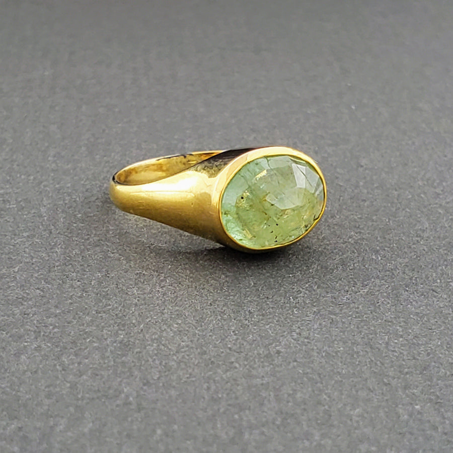 BERYL DOME GOLD RING