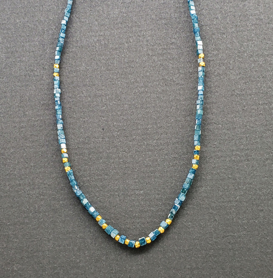 BLUE DIAMONDS CHOKER GOLD NECKLACE