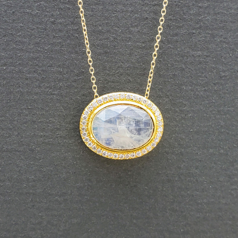 MOONSTONE DIAMONDS NECKLACE