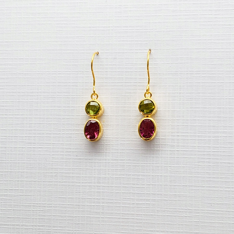 PERIDOT/TOURMALINE GOLD EARRINGS