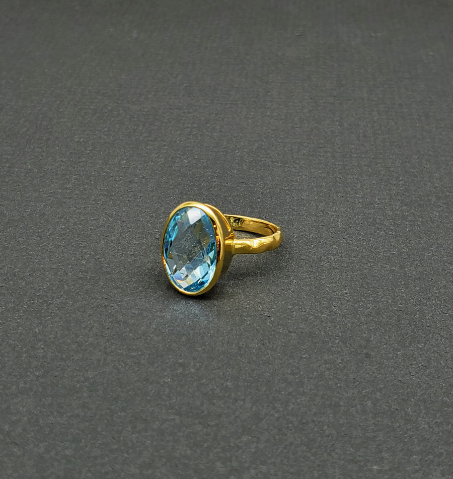 BLUE TOPAZ GOLD RING