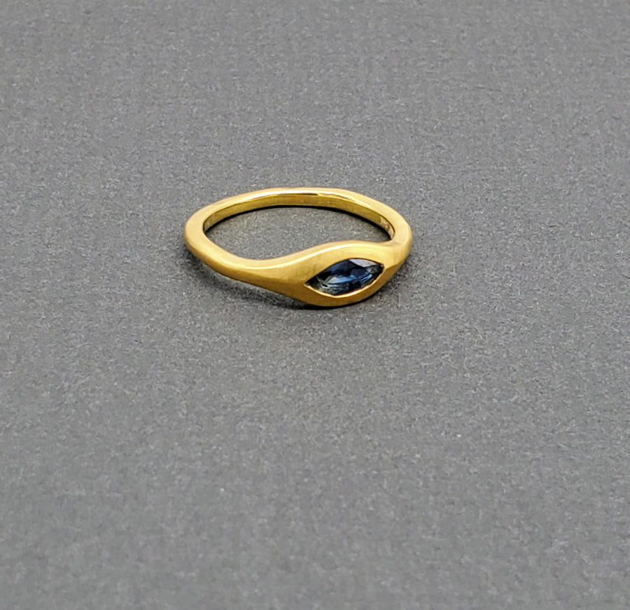 SAPPHIRE MARQUIS GOLD RING