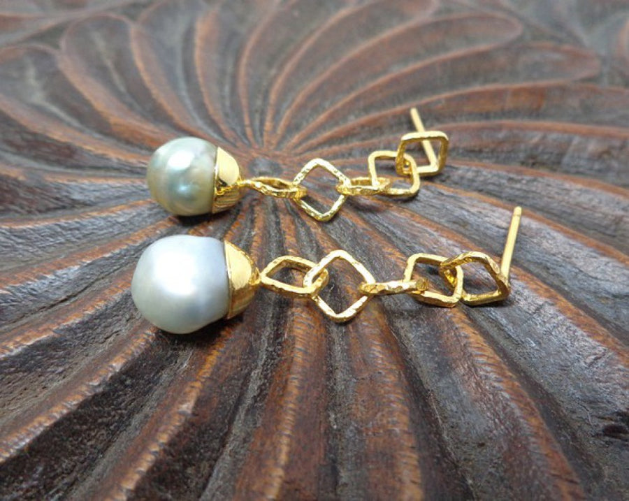 PEARLS GOLD EARRINGS