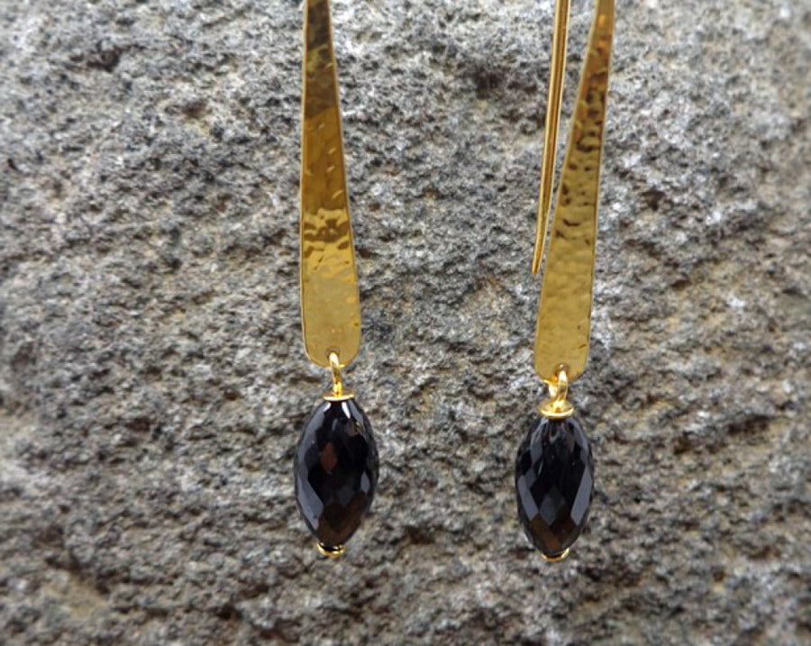 BLACK SPINEL GOLD EARRINGS SONIA TONKIN