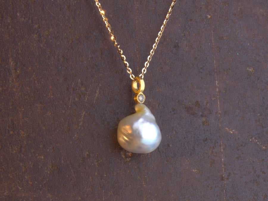 BRILLIANT DIAMOND NATURAL PEARL NECKLACE