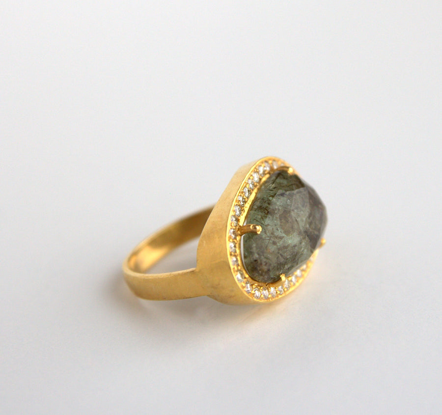 GREEN BERYL DIAMOND RING