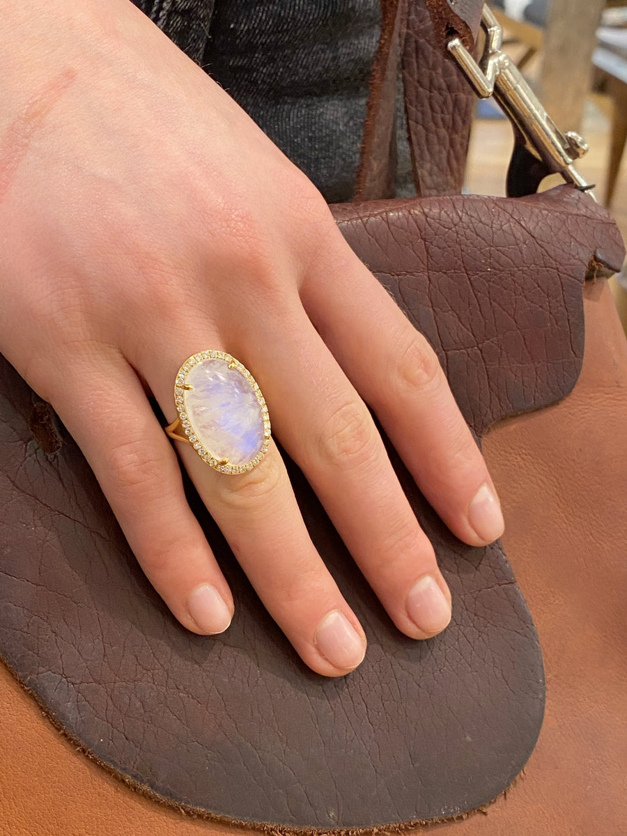 MOONSTONE DIAMONDS GOLD RING