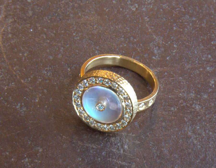 BRILLIANT DIAMONDS MOONSTONE SUN RING