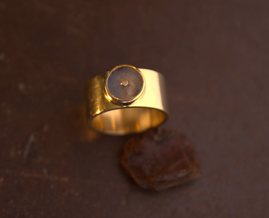 LABRADORITE SUN WIDE GOLD RING