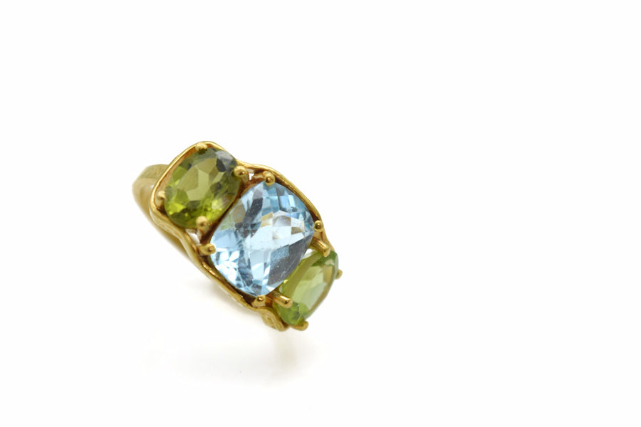 BLUE TOPAZ PERIDOT GOLD RING