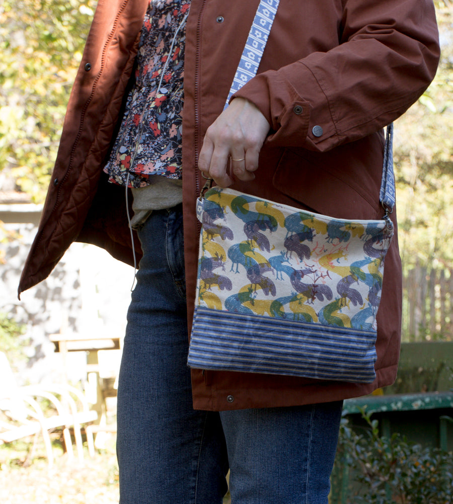 Meg Crossbody Bag in Chicken